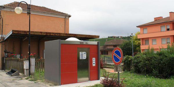 Toilettes publiques autonettoyantes_France